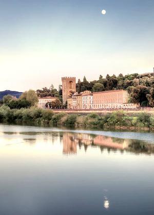Arno river in Florence :: My Italian Treasures & Elizabeth Namack, tour operator